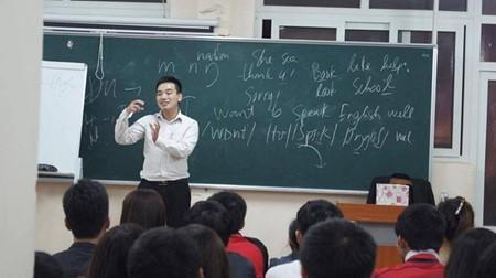 無料英語教室とグェン・バン・テエップさん - ảnh 1