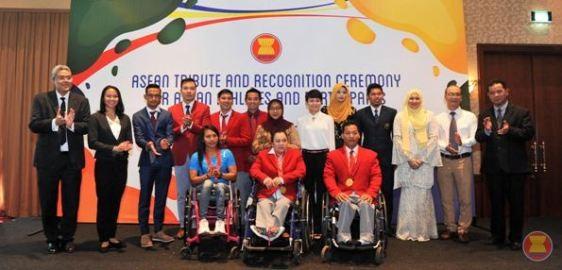 ASEAN オリンピックとパラリンピックの選手を顕彰 - ảnh 1