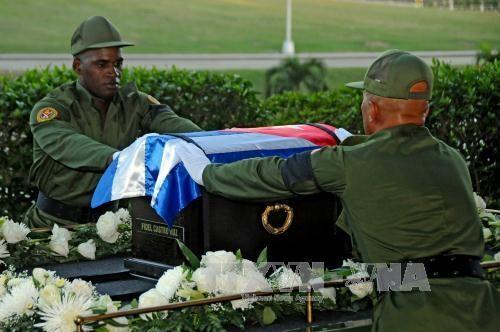 キューバ、カストロ前議長の遺灰移送始まる  - ảnh 1