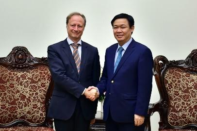 フエ副首相、在ベトナムEU大使と会見 - ảnh 1