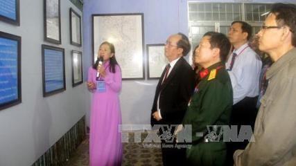 フーイエン省で、「ホアンサとチュオンサ両群島・歴史的・法的証拠」展示会 - ảnh 1