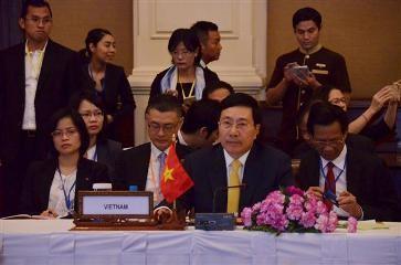 ミン副首相、瀾滄江・メコン川協力第2回外相会議に出席 - ảnh 1