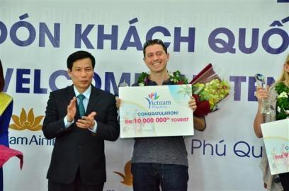 ベトナム 1000万人目の外国人観光客を迎える - ảnh 1