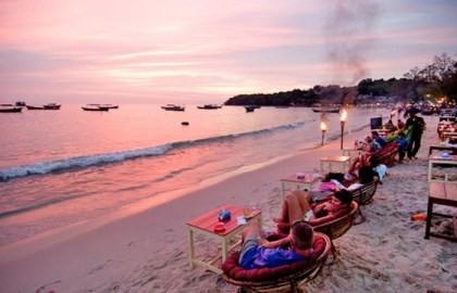 ベトナム、カンボジアでの海洋祭に参加 - ảnh 1