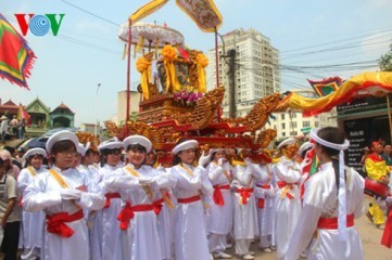 村の春祭り - ảnh 1
