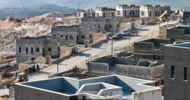 イスラエル 新たな入植地の建設決定 パレスチナ側の反発も - ảnh 1