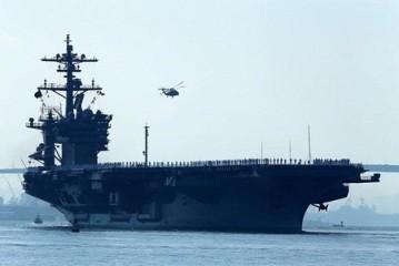 米空母と海自護衛艦 23日から共同訓練 - ảnh 1