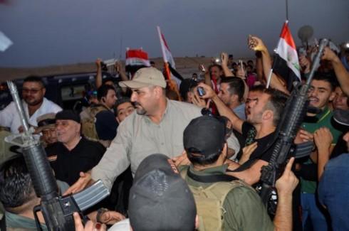 イラク首相、モスルで勝利宣言 - ảnh 1