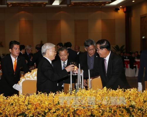フンセン首相:「ベトナムとの関係を培っていく」 - ảnh 1