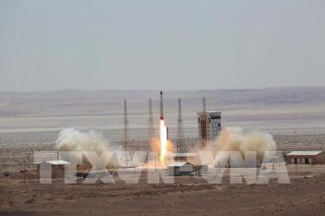 トランプ政権 ロケット発射でイランに新たな制裁 - ảnh 1