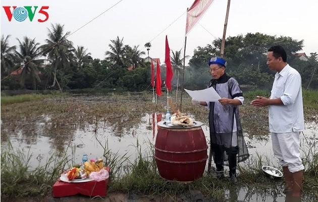 クアンニン省クアンイエン町の農耕祭り - ảnh 1