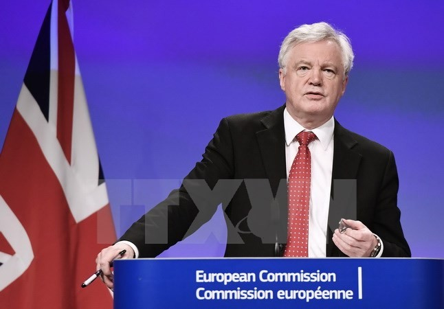 イギリス、EU離脱交渉で譲歩を示唆-EUに有利な条件で合意と担当相 - ảnh 1