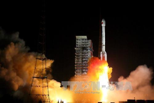 中国、2基の北斗3号衛星を打ち上げ - ảnh 1