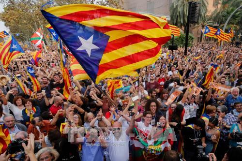 カタルーニャ独立宣言は無効=憲法裁、中央政府を追認-スペイン - ảnh 1
