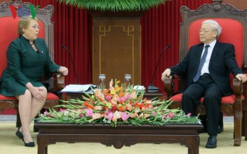 チョン書記長、チリの大統領と会見 - ảnh 1