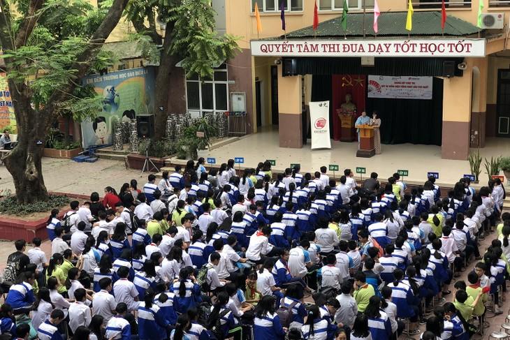 トホアン中学校での日本語歌・スピーチコンテスト - ảnh 1