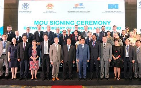 フック首相:「ベトナムと欧州は、協力関係の広範な発展の為の大きなチャンスに恵まれている」 - ảnh 1