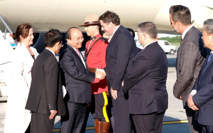 フック首相、カナダに到着 - ảnh 1