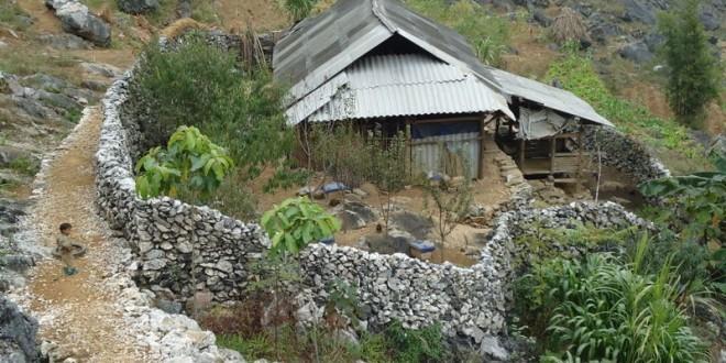 モン族の土壁の家 - ảnh 3