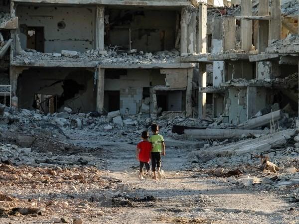 シリア内戦 10日余で市民126人死亡 16万人避難 - ảnh 1