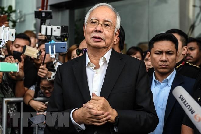 巨額不正資金疑惑で逮捕のナジブ前首相 起訴 マレーシア - ảnh 1