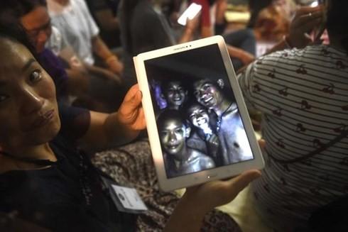 태국, 소년 축구선수 4명 추가로 동굴에서 구출 - ảnh 1