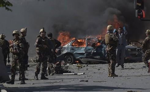 政府庁舎付近で自爆テロ、7人死亡=退勤時間狙う-アフガン首都 - ảnh 1