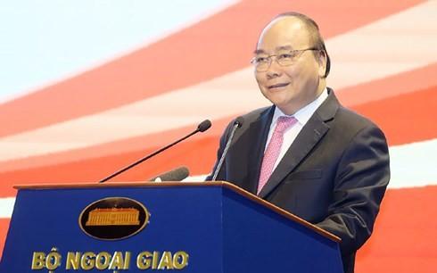 フック首相、外交会議に出席 - ảnh 1
