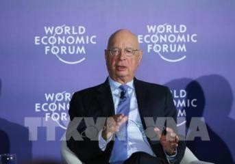 WEF ASEAN2018:アン大臣、WEFの創設者と懇談 - ảnh 1