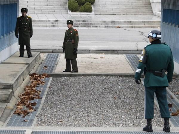 DMZなどの非武装化 南北と国連軍の協議体構成へ - ảnh 1