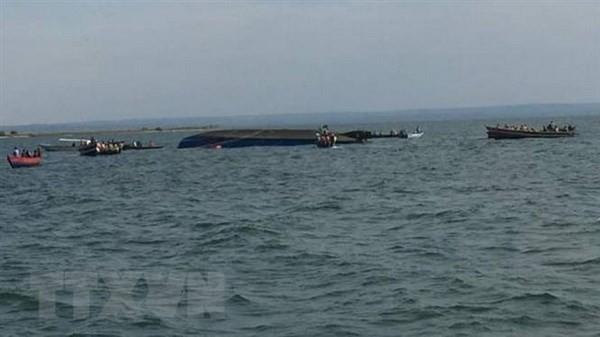 ビクトリア湖でフェリーが転覆 少なくとも86人死亡を確認  - ảnh 1