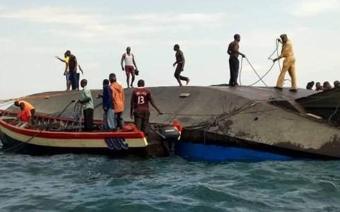 フェリー転覆 136人死亡、タンザニア ビクトリア湖 - ảnh 1