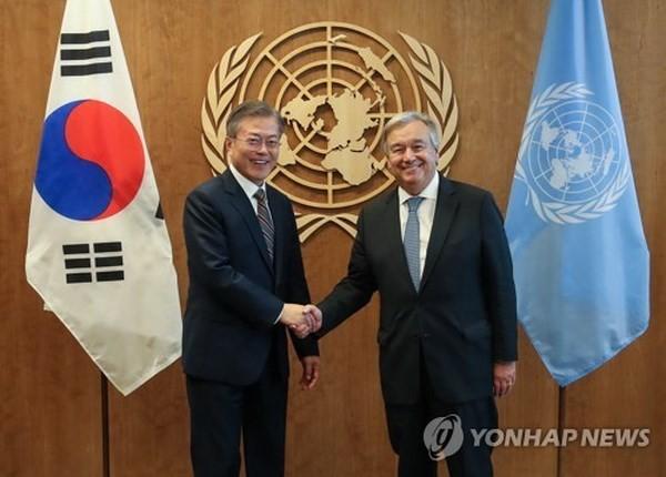 韓国 ムン大統領「非核化には終戦宣言と人道支援が必要」 - ảnh 1