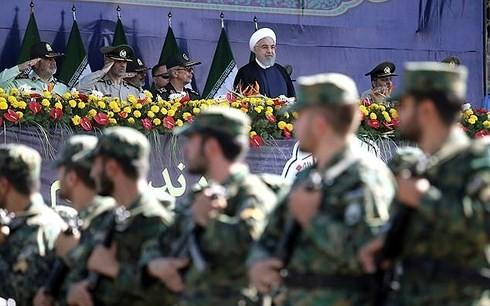イラン軍事パレード銃撃事件 22人を拘束 外国関与など調べ - ảnh 1