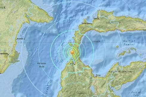 インドネシア スラウェシ島で津波 少なくとも30人死亡か - ảnh 1