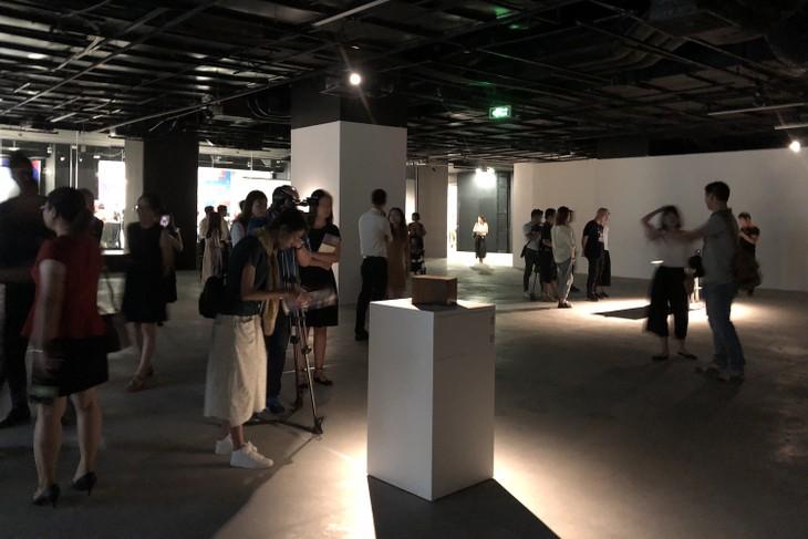 ハノイで開催中の日本人アーチストの「フラグメントズ」展覧会 - ảnh 5
