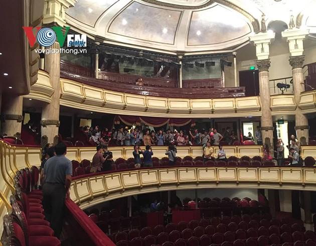 ハノイオペラハウスの見学ツアー - ảnh 2