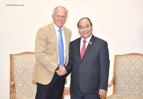フック首相、ベトナム観光大使と会見 - ảnh 1