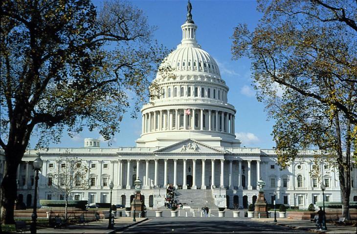 Partai Demokrat merebut kembali hak kontrol di Parlemen setelah ditunggu-tunggu selama 8 tahun - ảnh 1