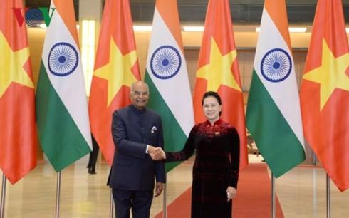 ガン国会議長、インドの大統領と会見 - ảnh 1