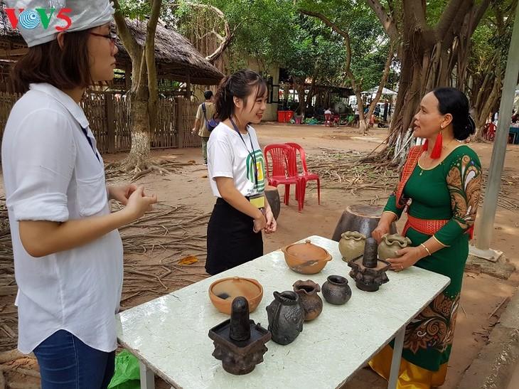 バウチュック陶器村  - ảnh 1