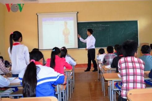 情熱に溢れる教師ファン・バン・タンさん - ảnh 2