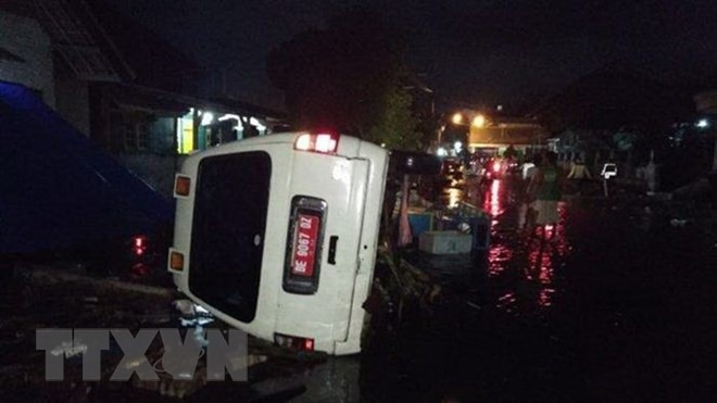 インドネシアで津波 62人死亡 500人以上けが 火山活動原因か - ảnh 1