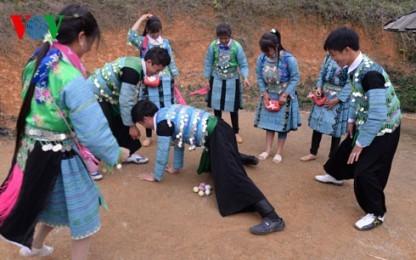 少数民族モン族の伝統的なお正月 - ảnh 1