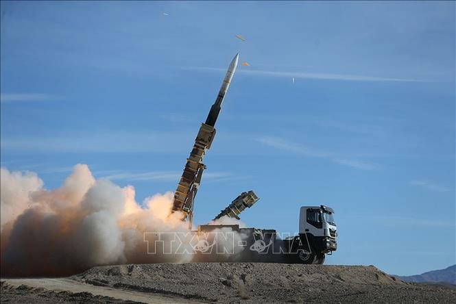 イラン革命防衛隊総司令官代理、「イランのミサイル能力の拡大は停止不可」 - ảnh 1