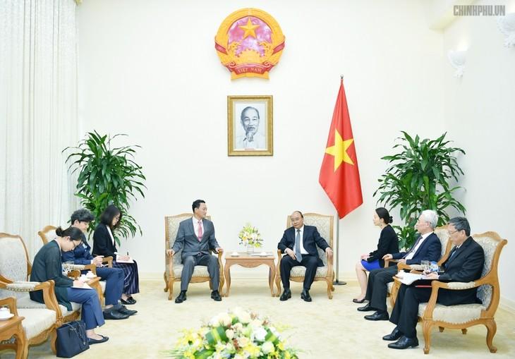 フック首相、在ベトナム韓国大使と懇談 - ảnh 1