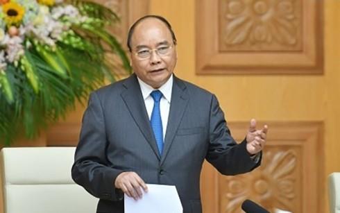 フック首相 国民のための行政改革を促進 - ảnh 1