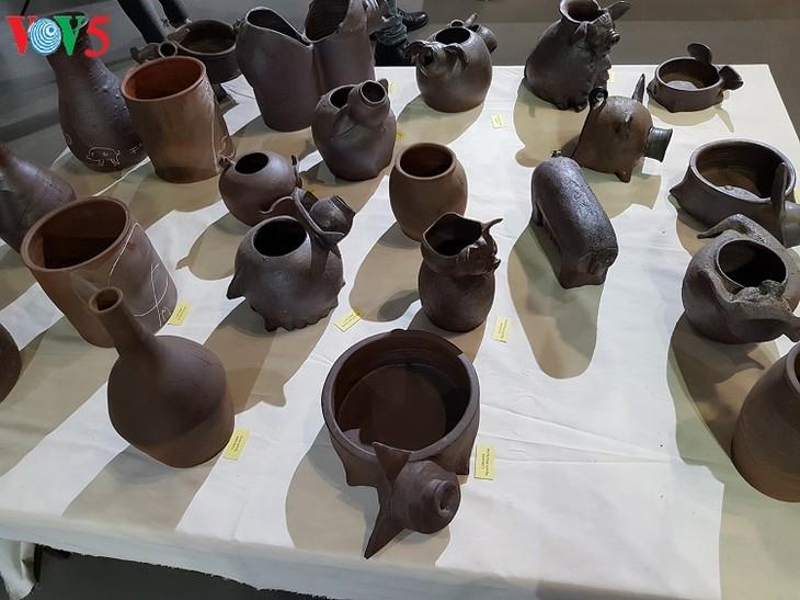 陶器のフォンカイン村 - ảnh 1