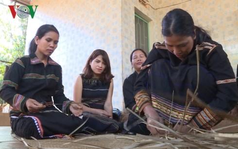 ジャライ族の「プラン」という畳の保存 - ảnh 2