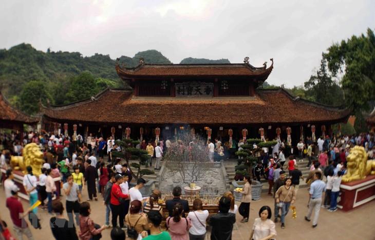 フォン寺祭り 150万人が訪れる見込み - ảnh 1